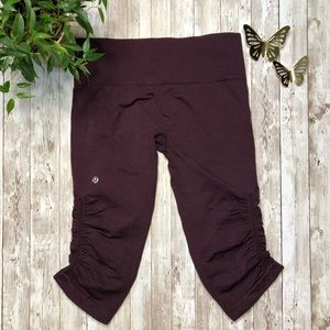 LULULEMON wine colored rouched crop leggings -6